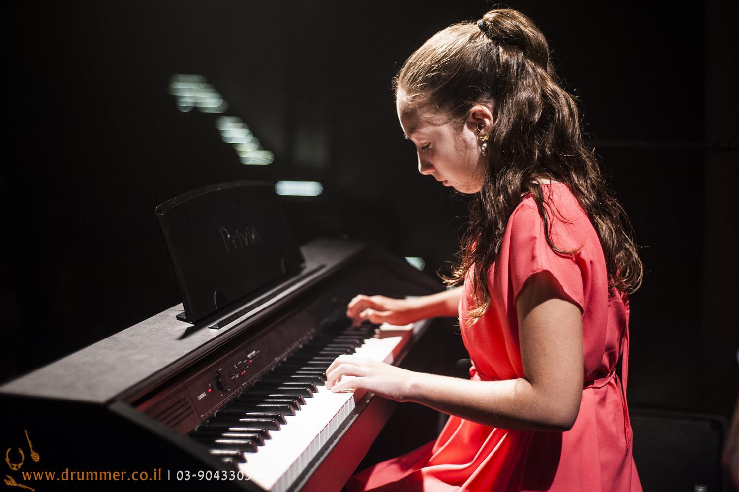 שיעורי פסנתר - דראמר בית הספר למוסיקה של פתח תקווה