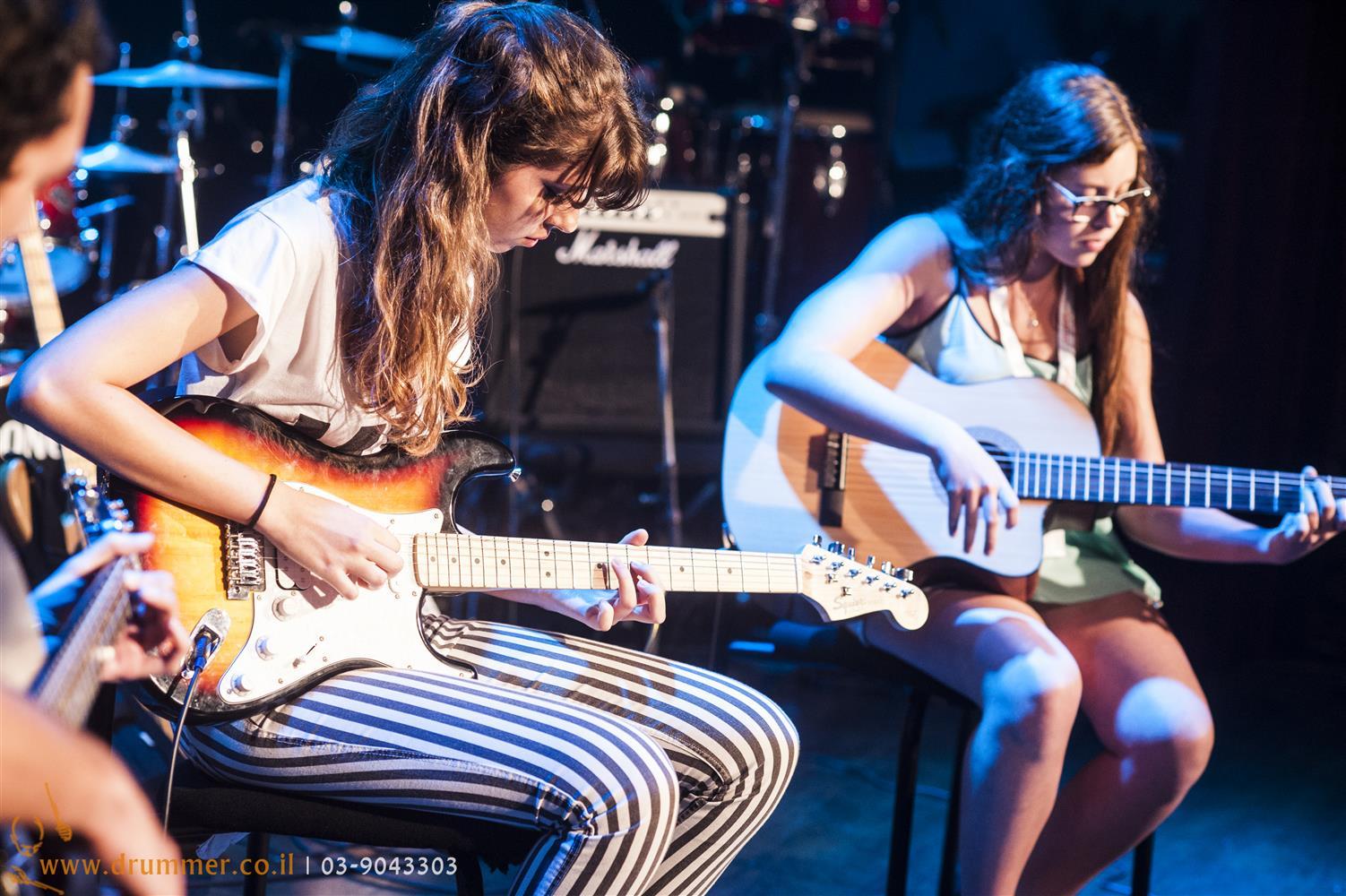 שיעורי גיטרה - דראמר בית הספר למוסיקה של פתח תקווה