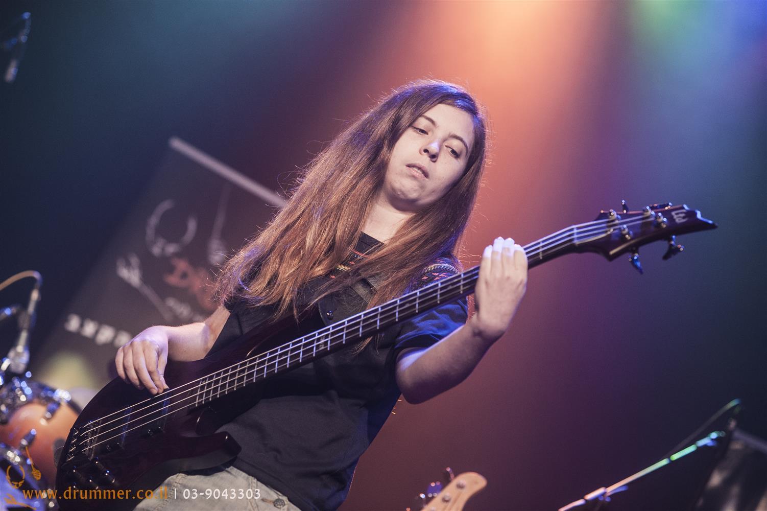 לימוד גיטרה בס - דראמר בית הספר למוסיקה של פתח תקווה
