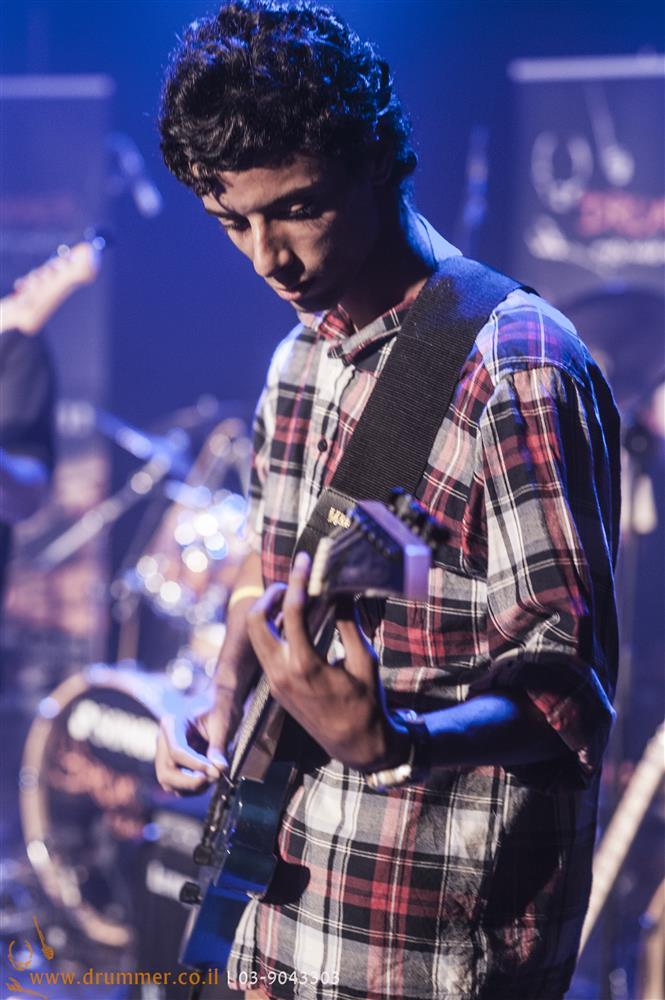 לימוד גיטרה - דראמר בית הספר למוסיקה של פתח תקווה